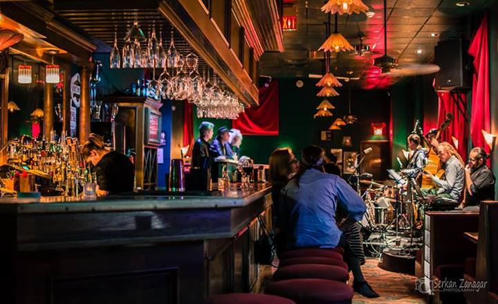 Bars With Live Music in Dallas