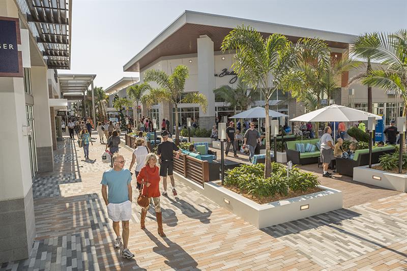 Black Friday Deals And Shopping In Daytona