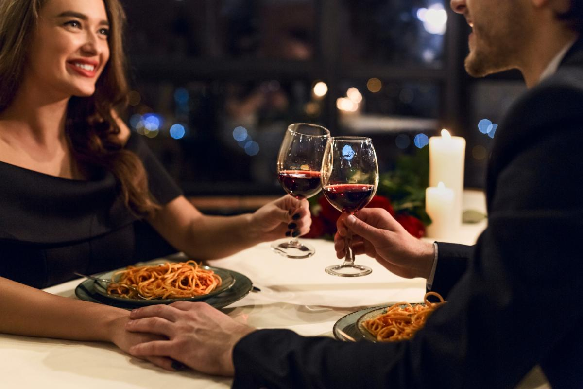 Restaurants In Daytona Beach You'll Love This Valentine's Day