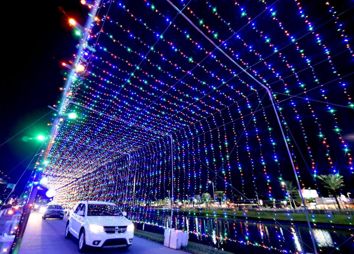 Light Up Your Season With These Christmas Lights In Daytona!