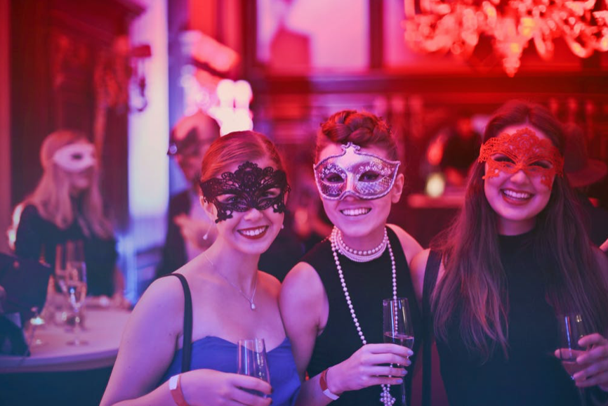 Spend Valentine's Day in Orlando Amid a Murder Mystery at a Masquerade Ball!