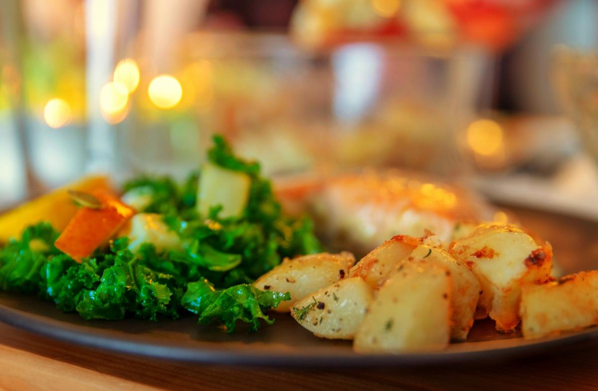 Eat at Home With Easter Dinner To Go in Titusville