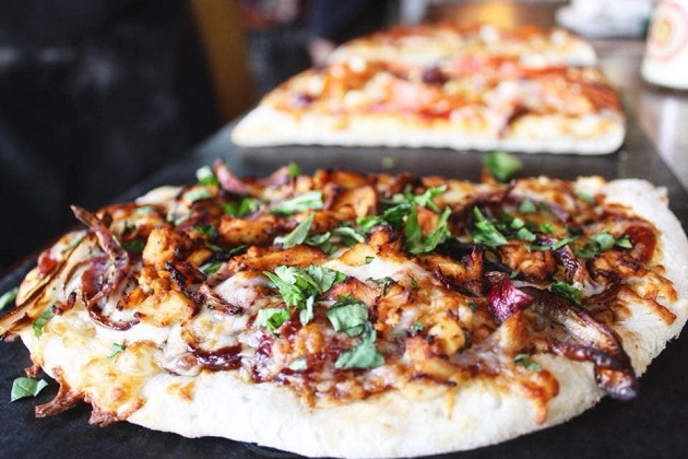 Tampa Pizza Company Guarantees You Can Always Find Healthy Food with a Hometown Feel