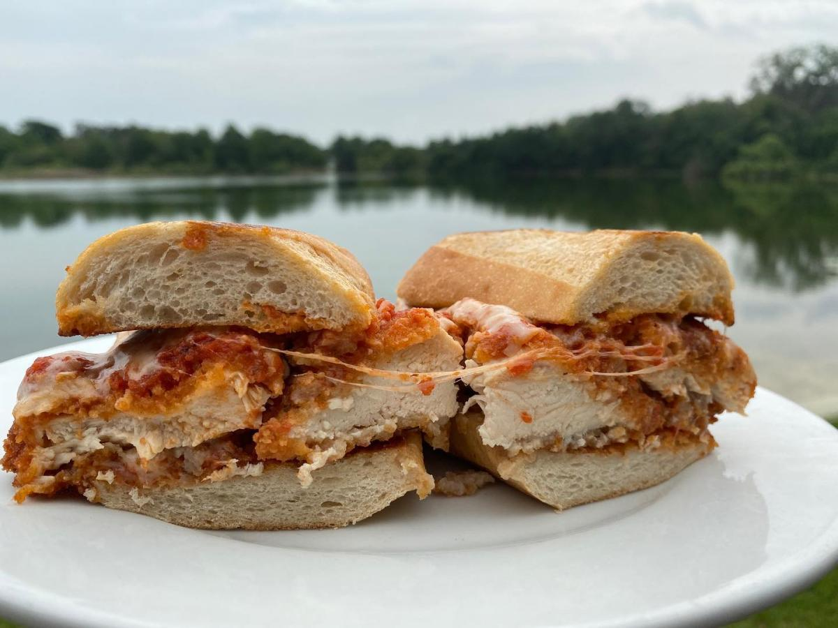 Outdoor Places To Eat in Orlando