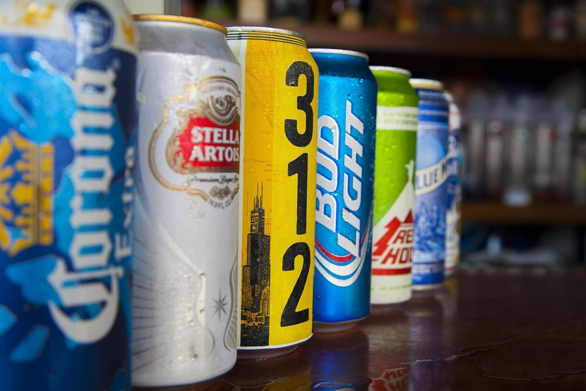 Bars in Pensacola Serving Drinks To Go