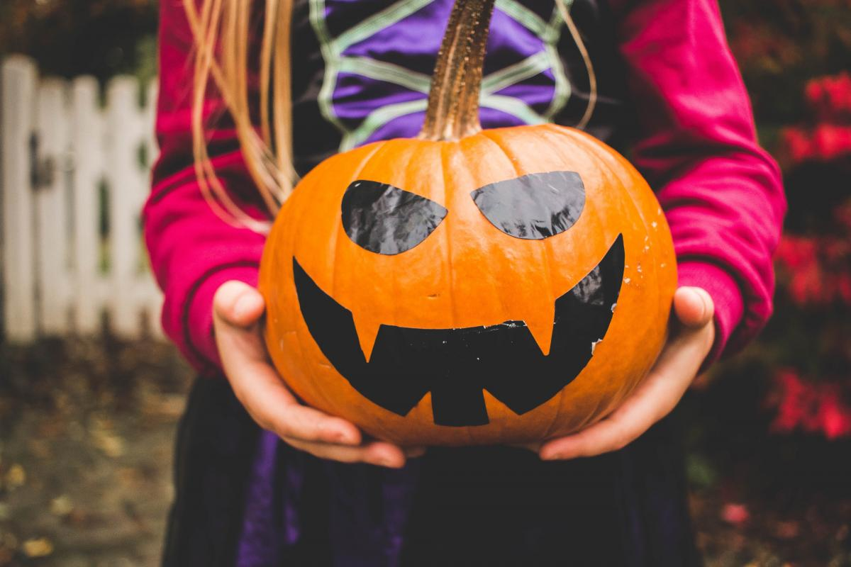 How to Halloween Trick-or-Treat During a Pandemic