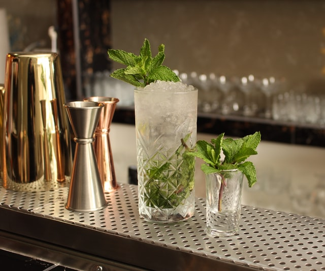 Bars With the Best Mojitos in Orlando | Freshen Up Your Cocktail