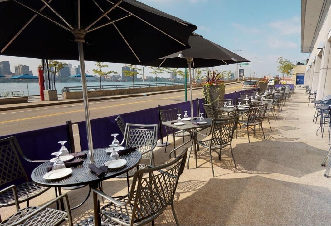 Restaurants on the Water in Detroit