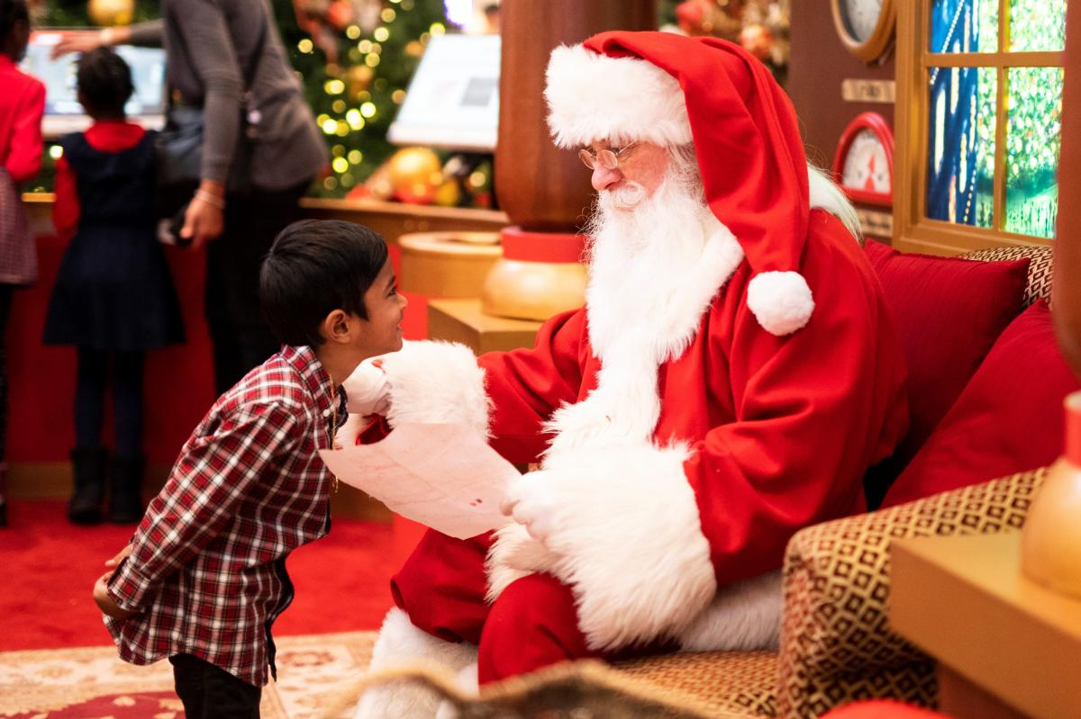 Where to Find Santa in Tampa | Pictures with the Kids + More