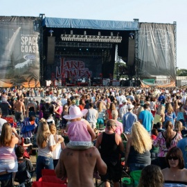 Runaway Country Music Festival Brings The Southern Stars Out In Kissimmee