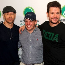 Wahlberg Brothers Debut Second Wahlburgers Location In Waterford Lakes.