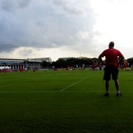 Buc's Day 4 Report: Storm Doesn't Slow Rookie LB - Starting to Shine