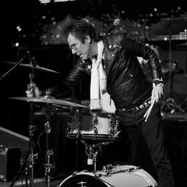 Slim Jim Phantom Of The Stray Cats Brings Rockabilly Tunes To Three Day Concert in Orlando