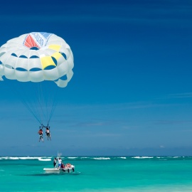 Find Adventure and Spectacular Views at the Best Places to Parasail in Miami
