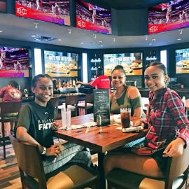 Mom's Eat Free At GameTime Ocoee On Mother's Day