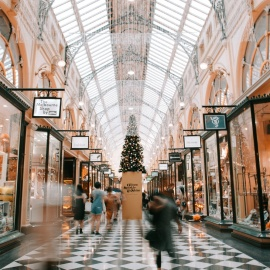 Holiday Fashion Trends This Season and Where to Find Them in Miami