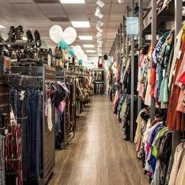 Get Quality Thrift Store Finds at Uptown Cheapskate in Tampa