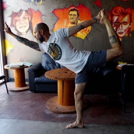 Music-Themed Brewery in Downtown Orlando Hosts Headbanger Yoga