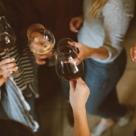 Wine Downtown Wednesday in Tampa Features Live Music, Drink Specials and Fun with New Friends!