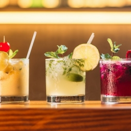 Bars in Tampa Serving Drinks To Go