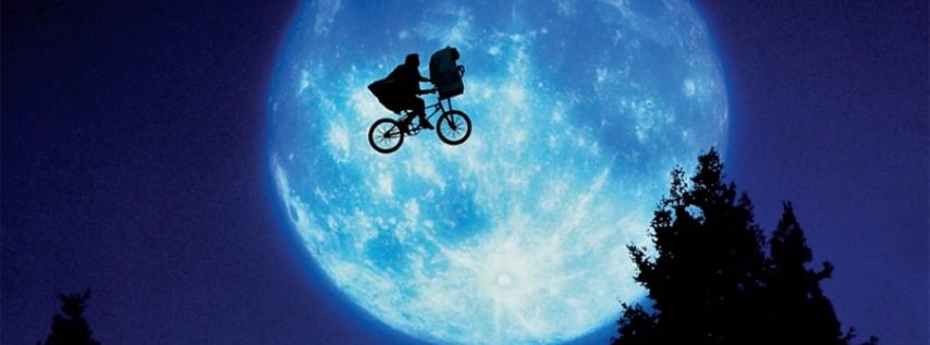 Movieola at Lake Eola Park featuring E.T.