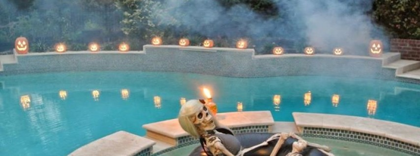 HYdrate HALLOWEEN Dive-In POOL Movie