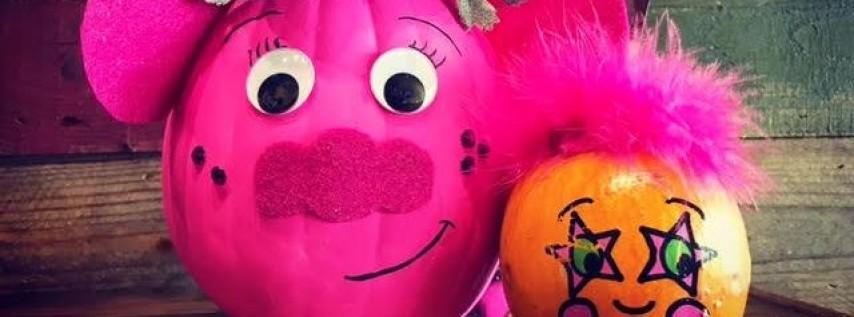 Family Pumpkin Decorating Contest!