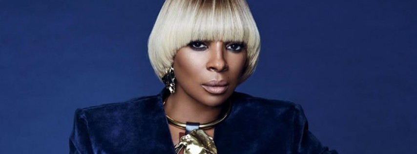 Mary J. Blige at the Hard Rock Live