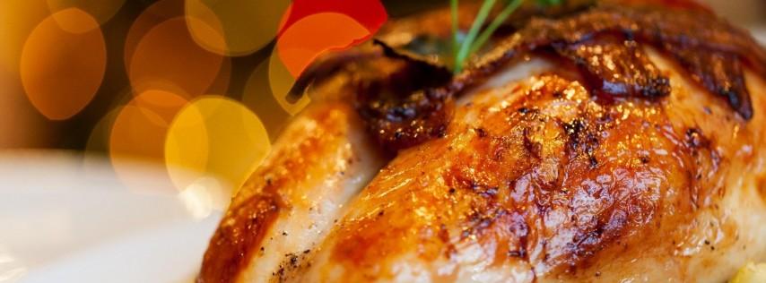 FRIENDSGIVING - A Thanksgiving Potluck & Games Night