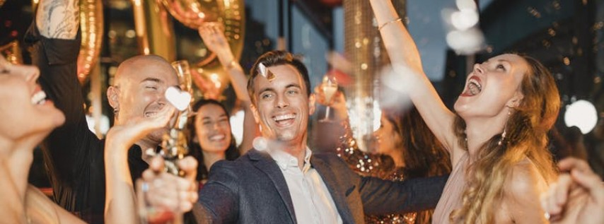 Raleigh's Ultimate New Years Eve Party [FRONT ROW!]