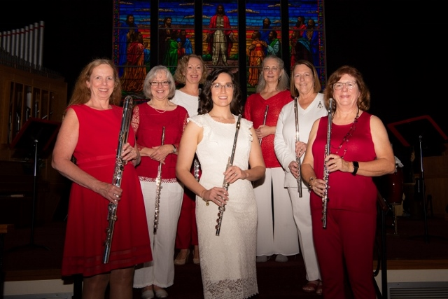 Free Christmas concert with FluteAmici Flute Ensemble