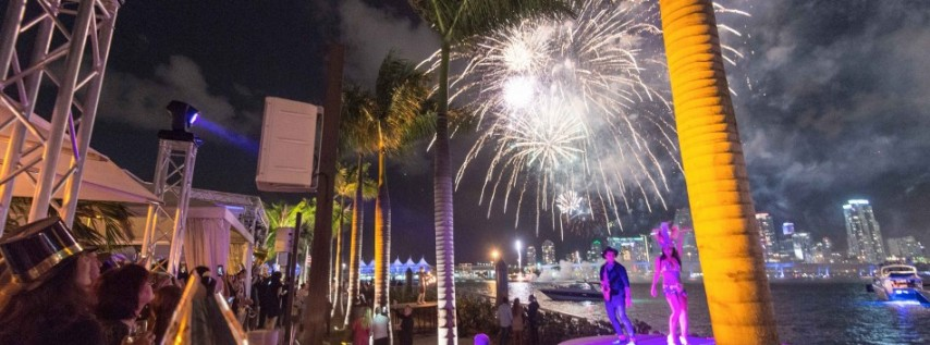 """The Deck at Island Gardens presents """"Champagne Madame 2021"""" New Year's Eve Dinne"""
