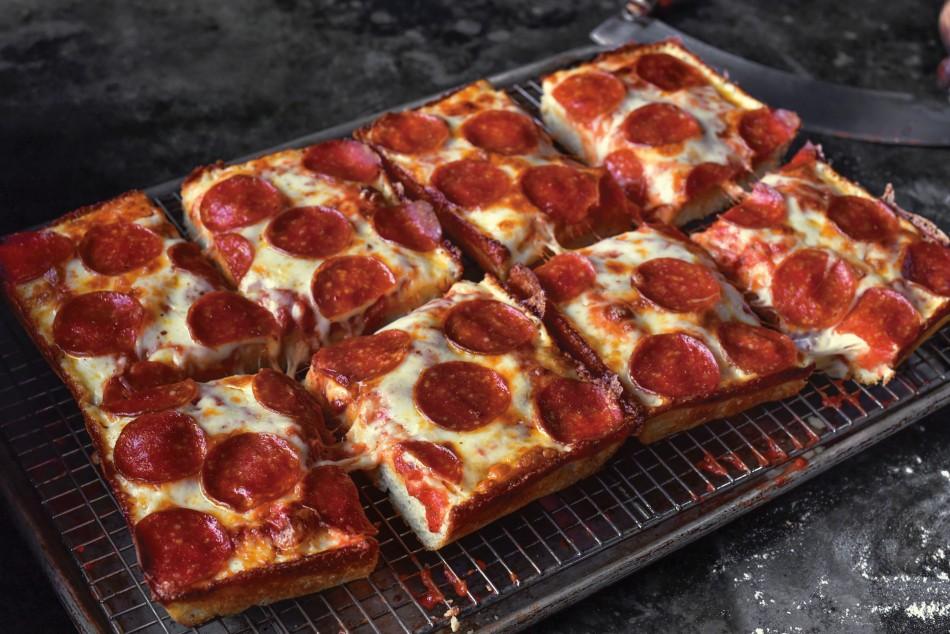 Chicago Jet's Pizza Locations Hiring New Crew Members!