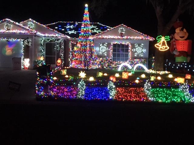 Streamside Dr. Christmas Lights
