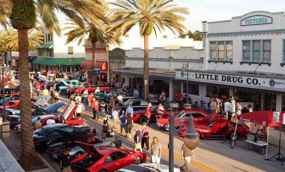 Canal Street Classic Cruise Car Show, Daytona Beach FL - Oct