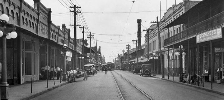 Walk Tampa: The Ybor City Story