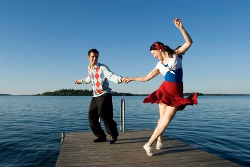 8pm Swing Dance Party and Hustle Classes!