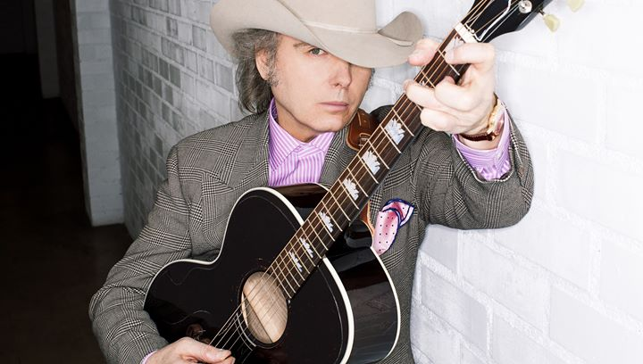 Dwight Yoakam at Nutty Brown Cafe & Amphitheatre