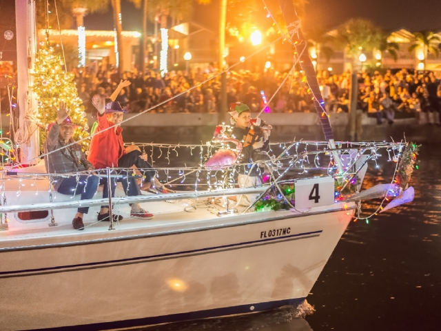 Dunedin Holiday Boat Parade & Tree Lighting