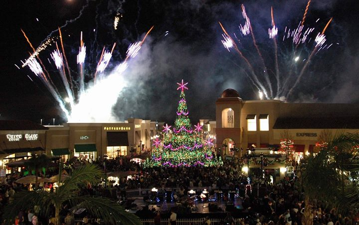 Wiregrass Christmas Tree Shows 2020 Christmas at Wiregrass, Tampa FL   Dec 19, 2017   6:45 PM