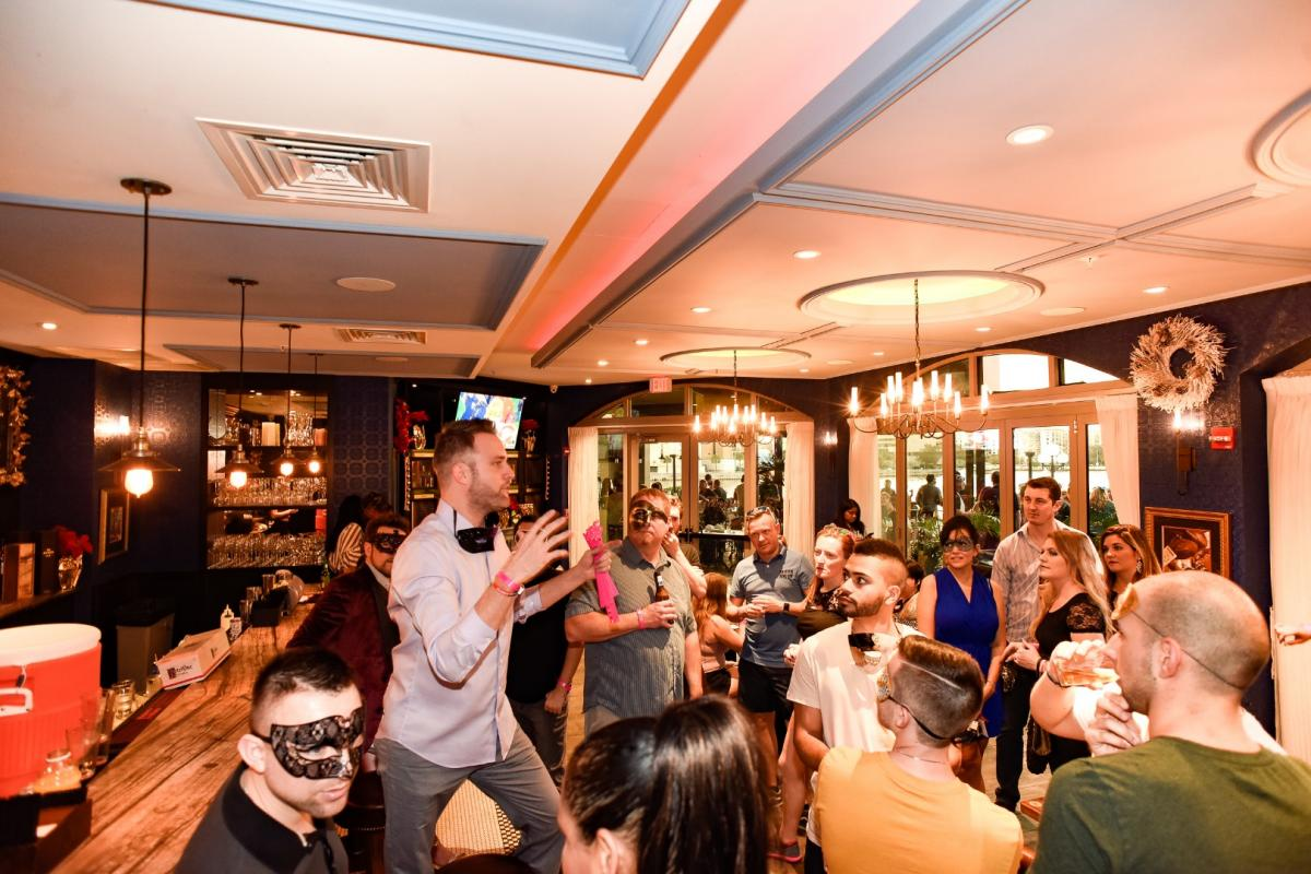 Masquerade Bar Crawl with Party Bus