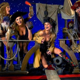 Gasparilla Day! The Pirates Invade Honey Pot for A BIG Party!
