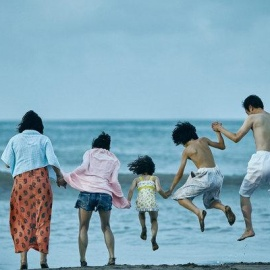 'Shoplifters' is a deeply moving look at the meaning of family242