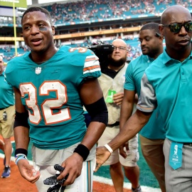 Dolphins stun Patriots with Kenyan Drake's last-second touchdown after two laterals74