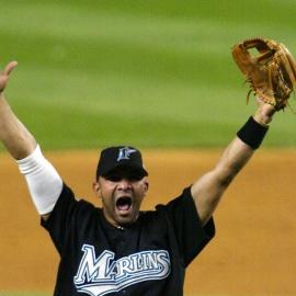 Former Marlins shortstop Álex González retires237