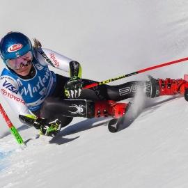 Mikaela Shiffrin leads 1st run of giant slalom by massive margin247