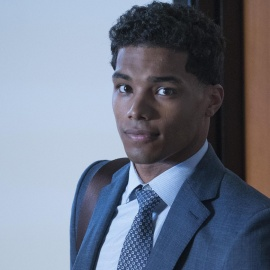 How to Get Away with Murder: 3 Theories About Gabriel's Mysterious Phone Call27