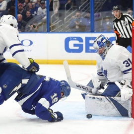 Frederik Andersen returns the favor as Lightning fall to Maple Leafs 4-2229