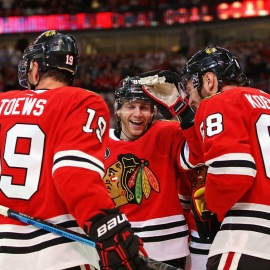 Kane extends point streak to 16 in Blackhawks' 5-2 win over Devils179