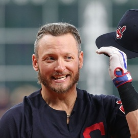 Braves News: Josh Donaldson arrives, A.J. Minter and more158